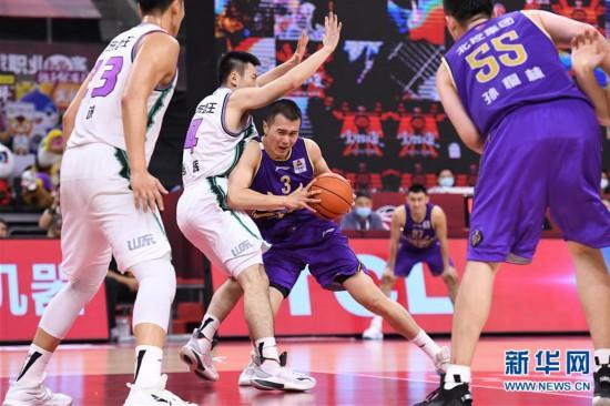 (体育)(6)篮球――CBA复赛第一阶段:北京控股胜山东西王