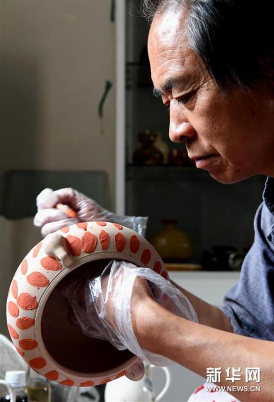 (图片故事)(2)千年古瓷守艺人