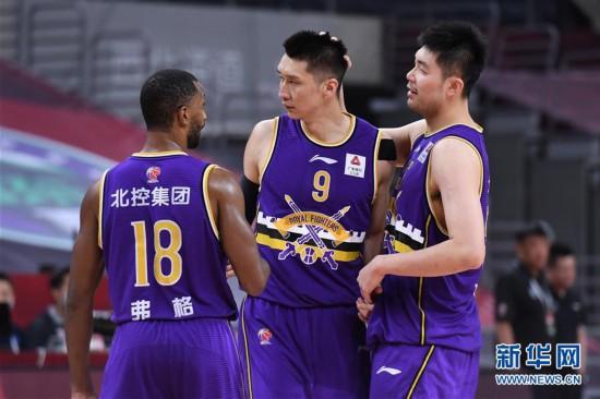 (体育)(4)篮球――CBA复赛第一阶段:北京控股胜山东西王
