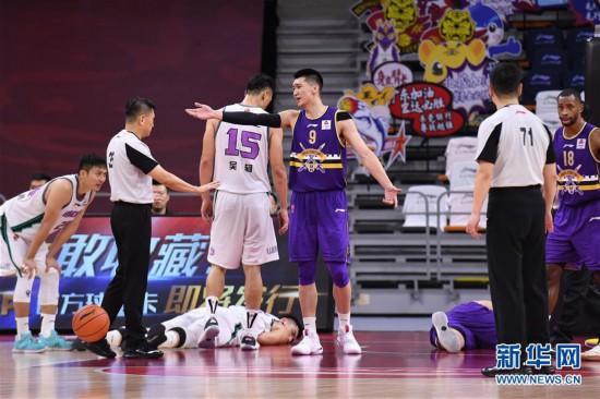 (体育)(13)篮球――CBA复赛第一阶段:北京控股胜山东西王