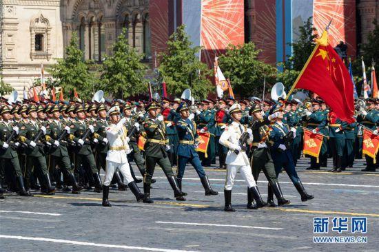 (国际)(2)中国人民解放军仪仗方队参加俄罗斯胜利日阅兵