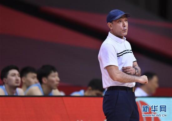 (体育)(12)篮球――CBA复赛第一阶段:新疆伊力特胜青岛国信双星
