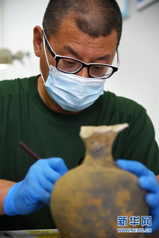 (文化)(2)山东小清河复航工程出土文物进入修复研究过程