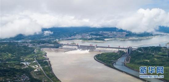 (环境)(4)三峡工程今年首次泄洪 近期或迎新一轮洪水