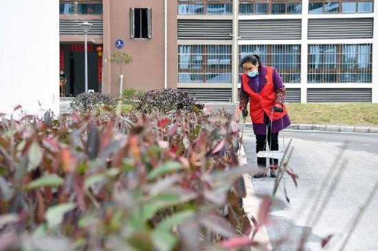 重庆黔江区1500多贫困人口下山进城记