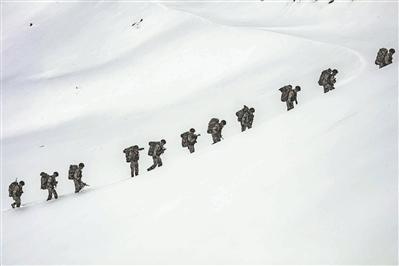 """海拔6000米,巡逻挺进""""生命禁区"""""""