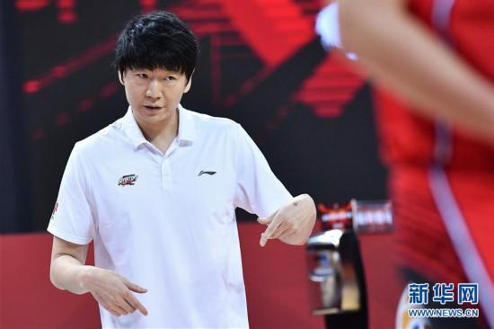 (体育)(11)篮球――CBA复赛第二阶段:新疆伊力特胜深圳马可波罗