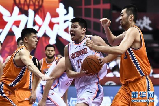 (体育)(13)篮球――CBA复赛第二阶段:上海久事胜四川五粮金樽