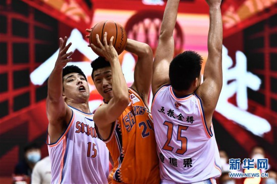 (体育)(12)篮球――CBA复赛第二阶段:上海久事胜四川五粮金樽