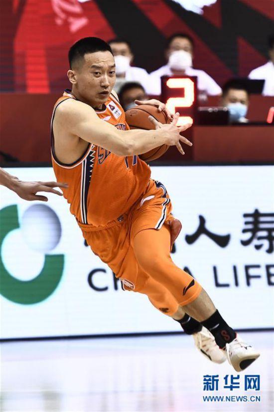 (体育)(8)篮球――CBA复赛第二阶段:上海久事胜四川五粮金樽