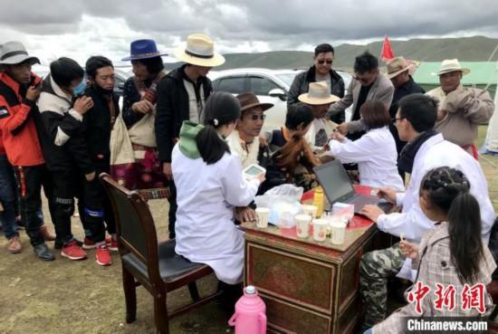 """西藏成办医院医疗队:让""""病有所医""""温暖西藏羌塘民众"""