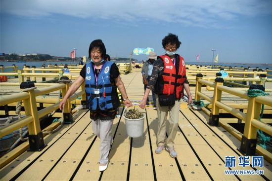(經濟)(7)山東榮成:海洋牧場迎來夏季旅游熱