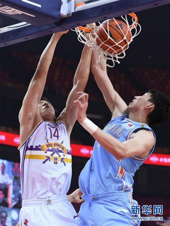 (体育)(4)篮球――CBA复赛第二阶段:新疆伊力特胜北京控股