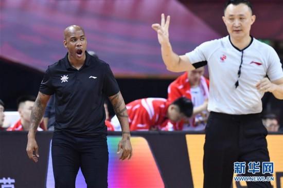 (体育)(10)篮球――CBA复赛第二阶段:新疆伊力特胜北京控股