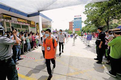 寧夏9.4萬余名考生走進考場