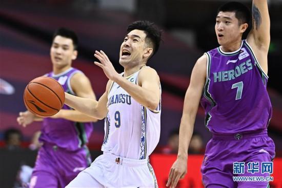 (体育)(4)篮球――CBA复赛第二阶段:苏州肯帝亚迎战山东西王