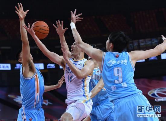 (体育)(2)篮球――CBA复赛第二阶段:福建豹发力对阵新疆伊力特