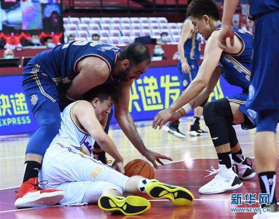 (体育)(15)篮球――CBA复赛第二阶段:北京控股胜南京同曦宙光