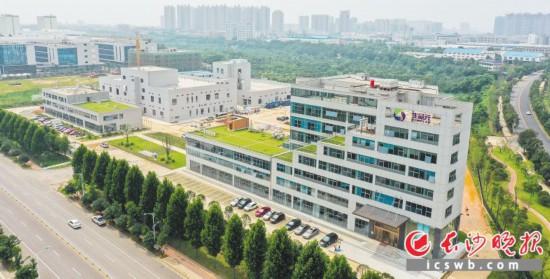 生命元健康产业园项目在望城经开区帮助下,建设进展顺利,目前一期投入使用,二期预计10月实现试生产。