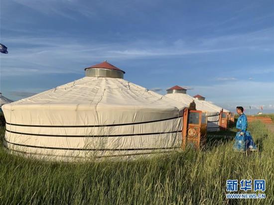 (图文互动)(1)枕着草原 望着星空――布仁巴雅尔和他的蒙古包