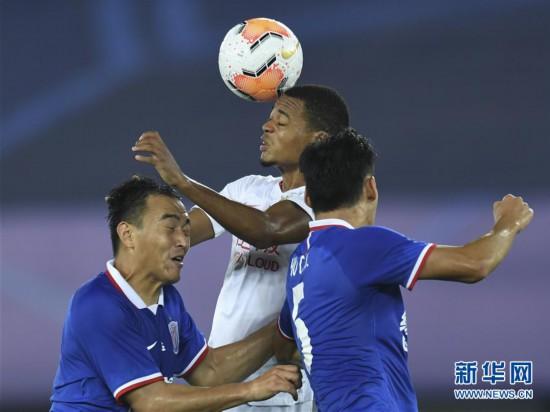 (體育)(12)足球——中超:深圳佳兆業不敵上海綠地申花