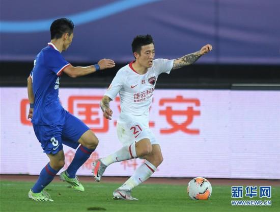 (體育)(11)足球——中超:深圳佳兆業不敵上海綠地申花