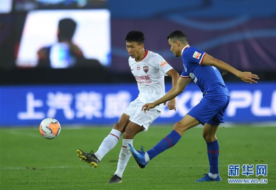 (體育)(8)足球——中超:深圳佳兆業不敵上海綠地申花