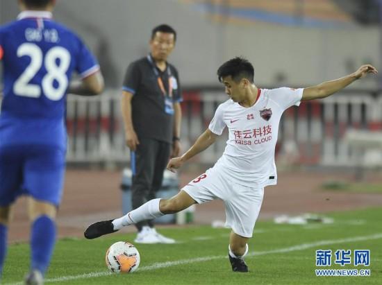 (體育)(6)足球——中超:深圳佳兆業不敵上海綠地申花