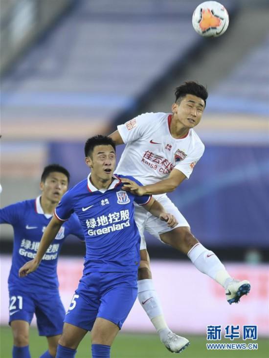 (體育)(4)足球——中超:深圳佳兆業不敵上海綠地申花
