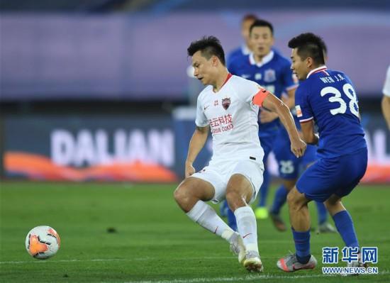 (體育)(2)足球——中超:深圳佳兆業不敵上海綠地申花