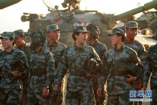"""(图文互动)(5)边疆军营""""花木兰""""――记""""最美新时代革命军人""""马和帕丽"""