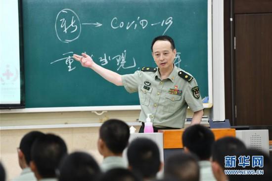 """(图文互动)(3)一个""""可以托付生命的人""""――记""""最美新时代革命军人""""毛青"""