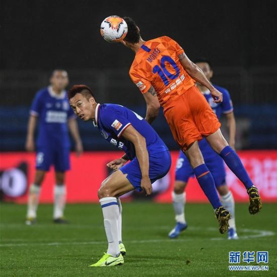 (体育)(6)足球――中超:上海绿地申花胜山东鲁能泰山