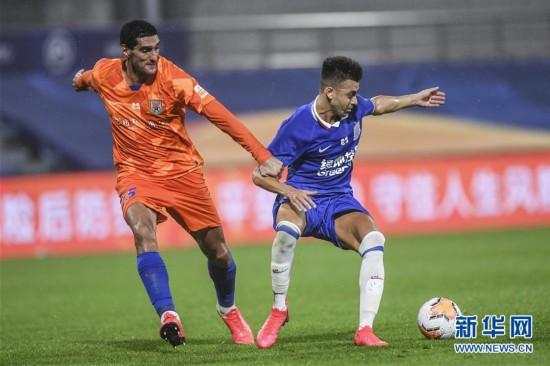 (体育)(3)足球――中超:上海绿地申花胜山东鲁能泰山