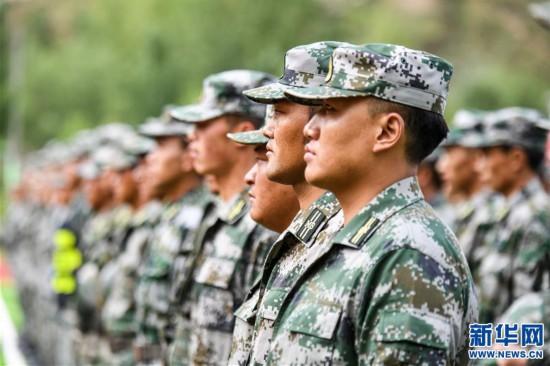 """(专发新华网西藏频道)拉萨警备区组织民兵军事科目""""创破纪录""""活动"""