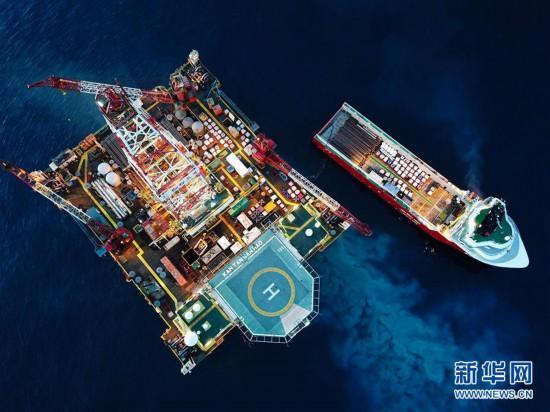 (图片故事)(1)南海钻井工人