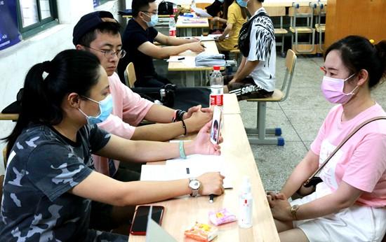 长江职业学院就业季突围