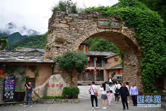 (乡村振兴・图文互动)(1)把梦想实现在山水间――陕南乡村旅游带动创客下乡热