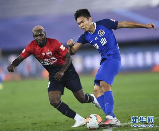 (体育)(3)足球――中超:河南建业胜深圳佳兆业