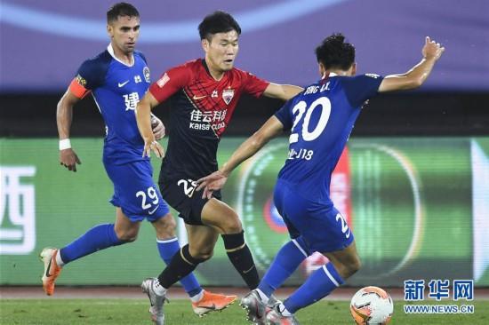 (体育)(3)足球――中超:深圳佳兆业不敌河南建业