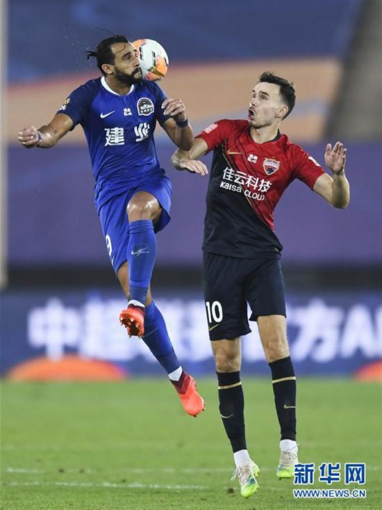 (体育)(2)足球――中超:河南建业胜深圳佳兆业