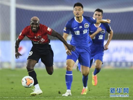 (体育)(2)足球――中超:深圳佳兆业不敌河南建业