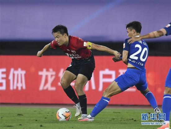 (体育)(1)足球――中超:深圳佳兆业不敌河南建业