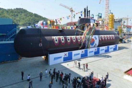 韩国高调宣布开建核潜艇,还要配弹道导弹