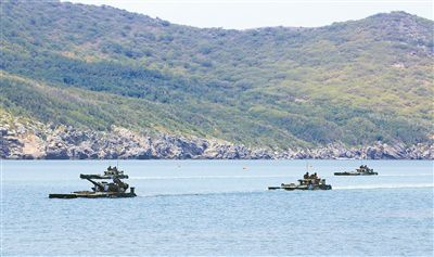 海軍陸戰隊用先進典型激勵官兵立足崗位矢志強軍