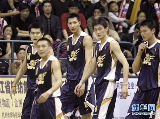 (体育・专题)(4)篮球――CBA:广东队十冠之路