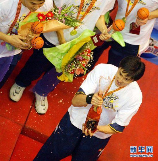 (体育・专题)(1)篮球――CBA:广东队十冠之路