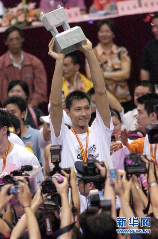 (体育・专题)(5)篮球――CBA:广东队十冠之路