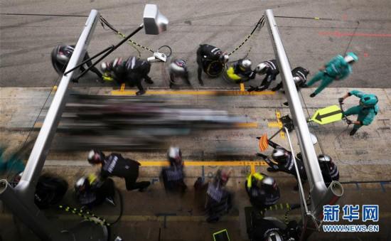 (体育)(8)赛车――F1西班牙大奖赛:汉密尔顿夺冠