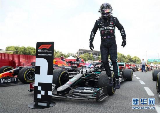 (体育)(7)赛车――F1西班牙大奖赛:汉密尔顿夺冠